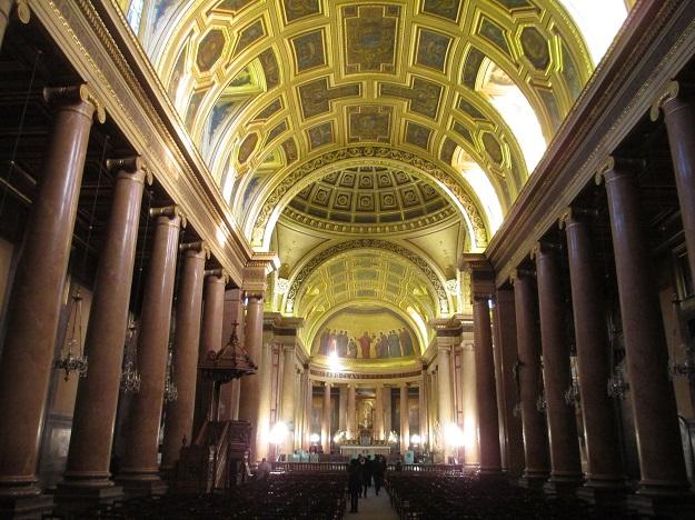 Ренн кафедральный собор внутри