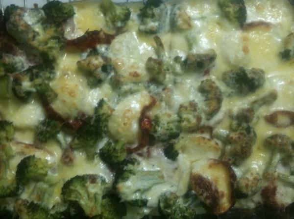Gratin aux pommes de terre, chorizo et broccoli